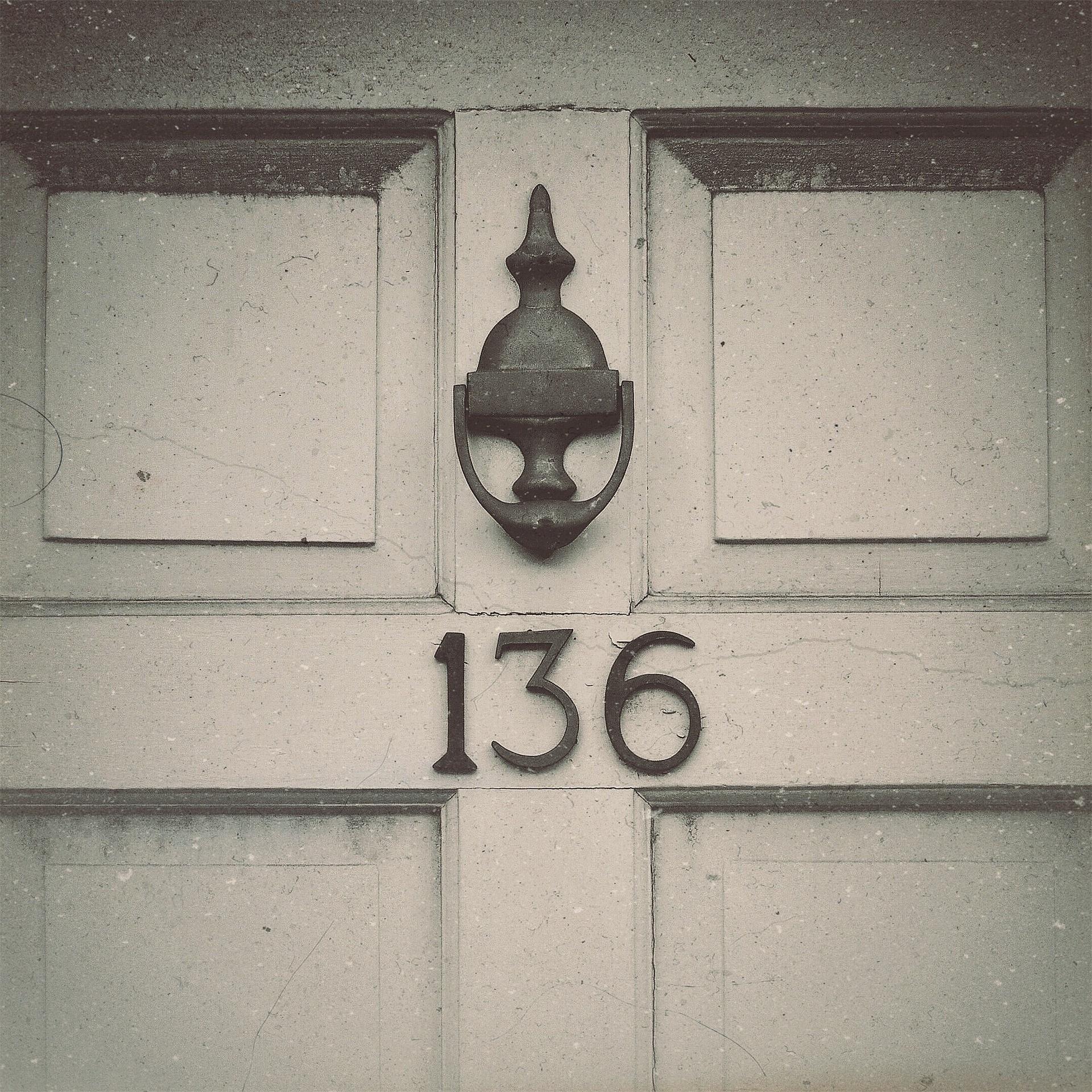 door-knocking-real-estate-agents.jpg