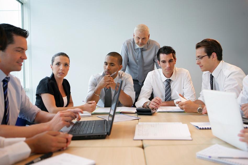 Business-team-on-professional-training