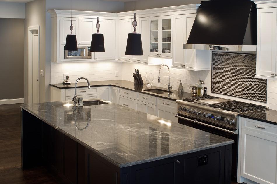 Modern_Kitchen_with_Granite_Countertops